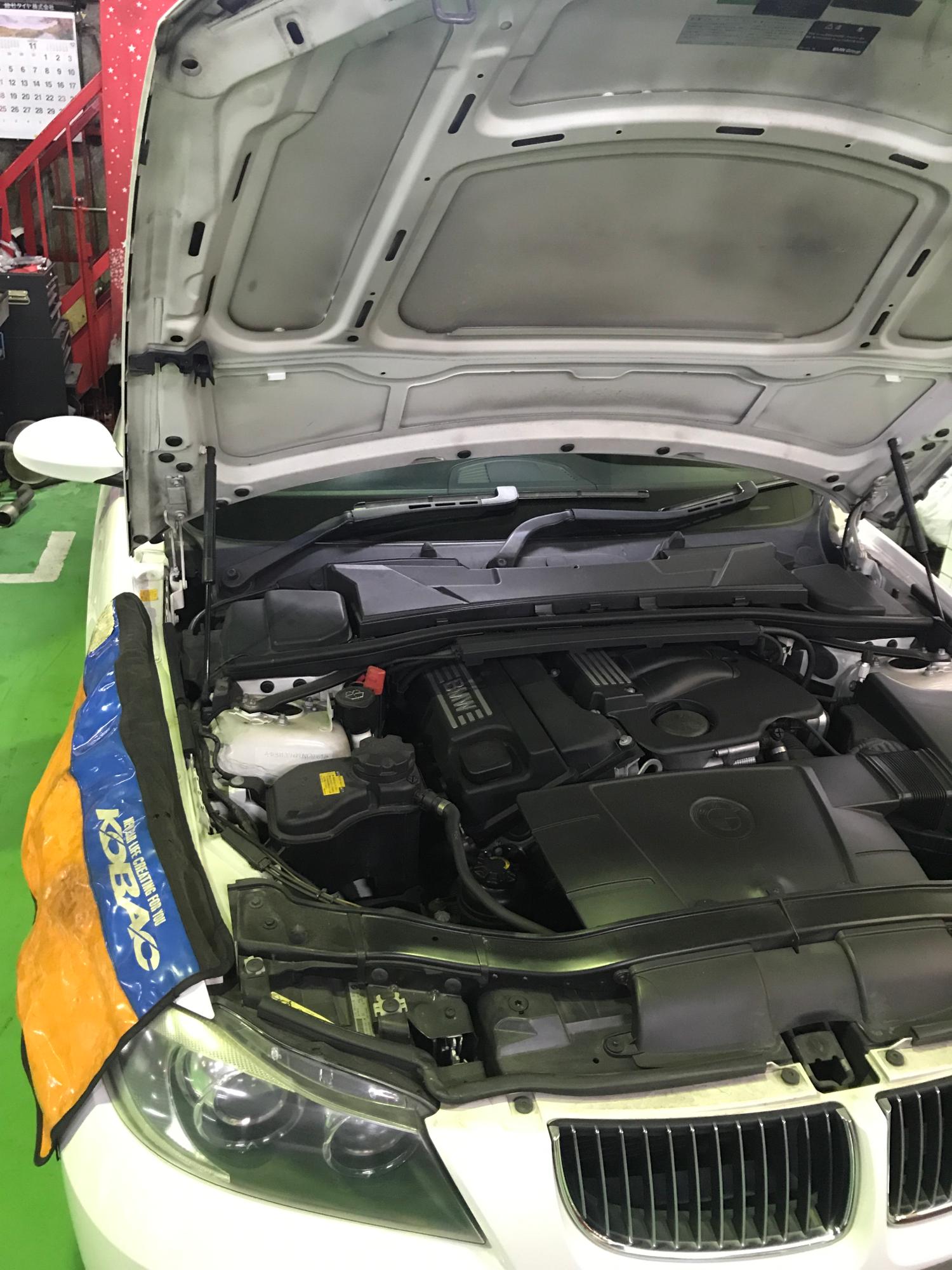 BMW 320i E90 プラグ交換