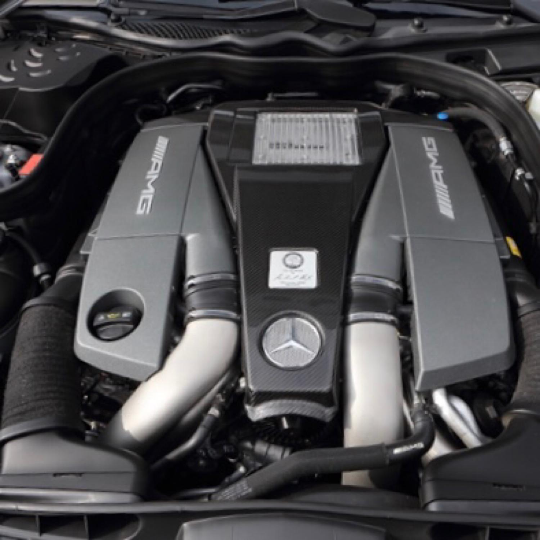 メルセデスベンツ E63 AMG エアクリーナーエレメント交換